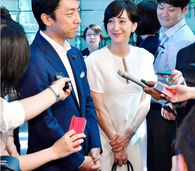 滝沢クリステル 小泉進次郎 妊娠 結婚 画像 お腹